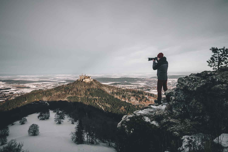 Leon Buchholz Mann auf Berg
